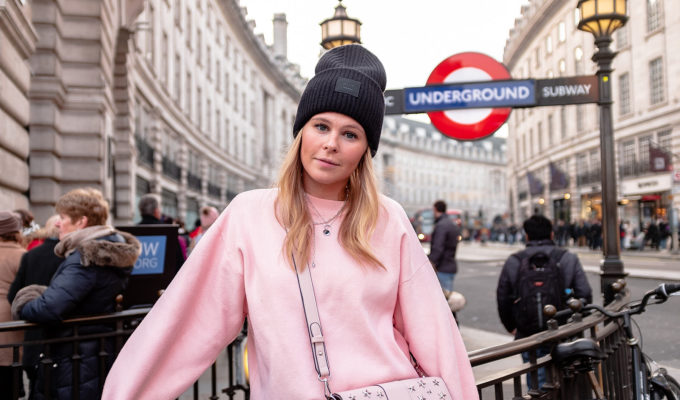 london piccadilly circus fashion blogger sunnyinga