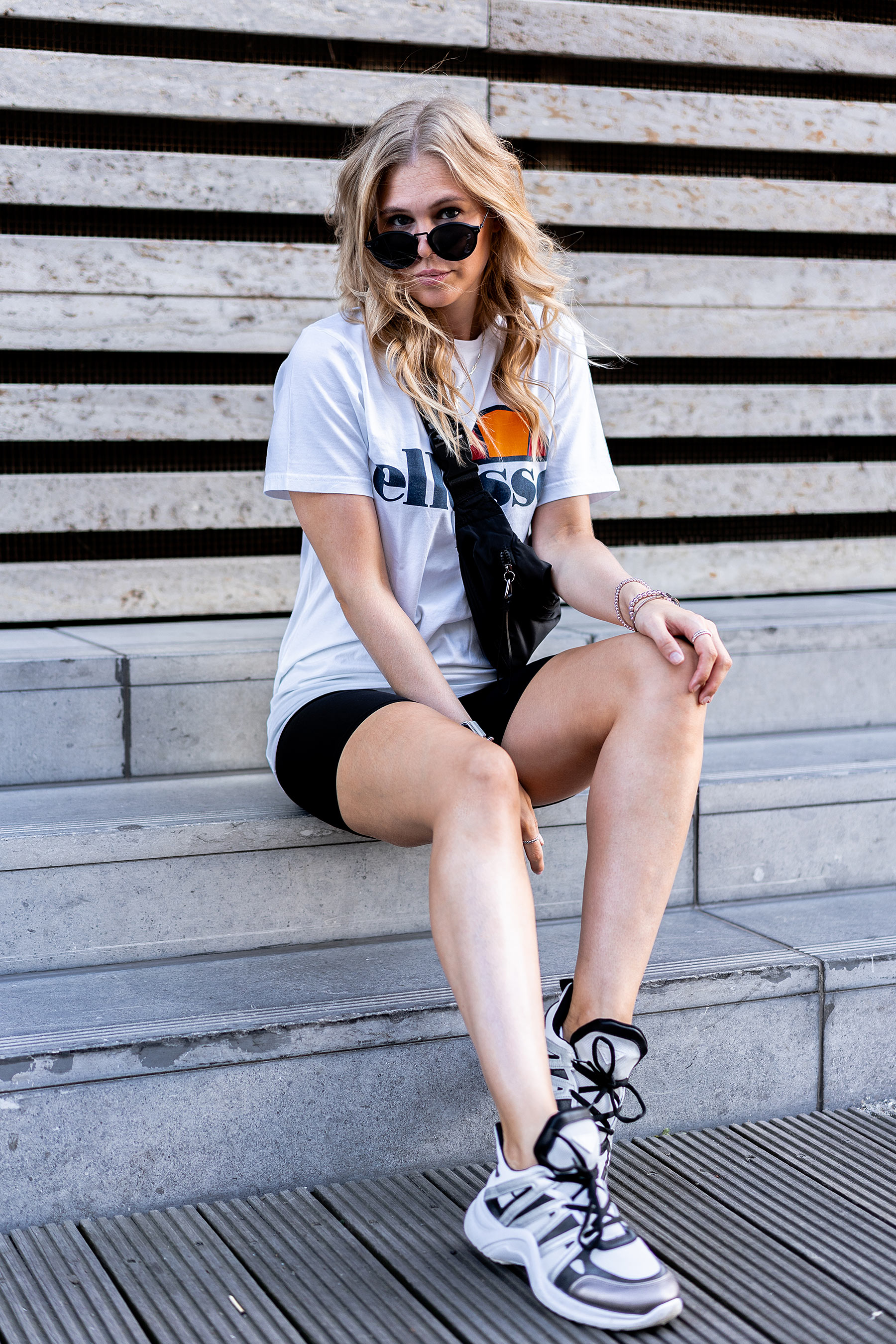 louis vuitton sneaker archlight lookalike fashion blogger sunnyinga