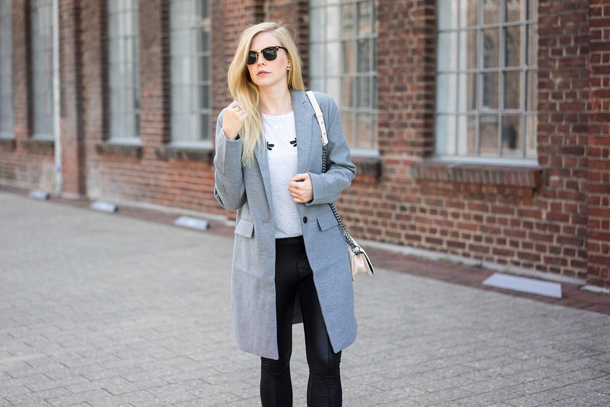 mantel-grau-outfit