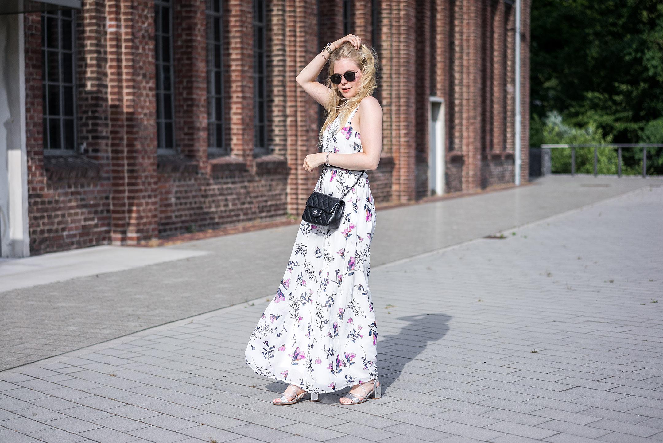 Maxikleid Blumenmuster Flowerprint Outfit Fashion Blog Düsseldorf Sunnyinga