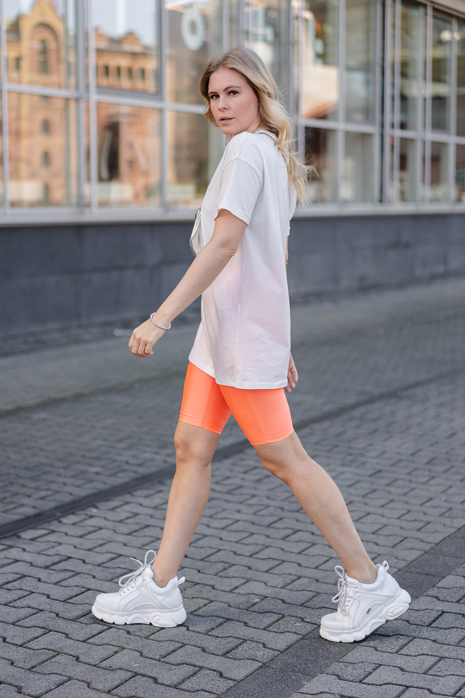 neon look radlerhose fashion blogger sunnyinga