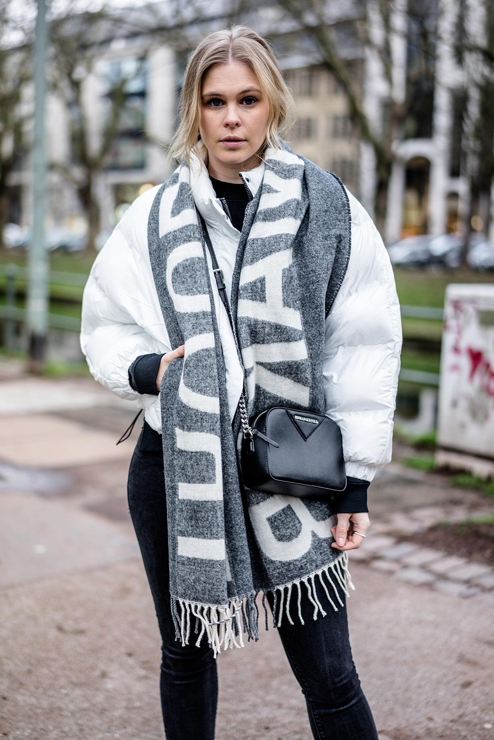 ootd Statement Schal Fashion Blog Outfit Streetstyle Düsseldorf Sunnyinga