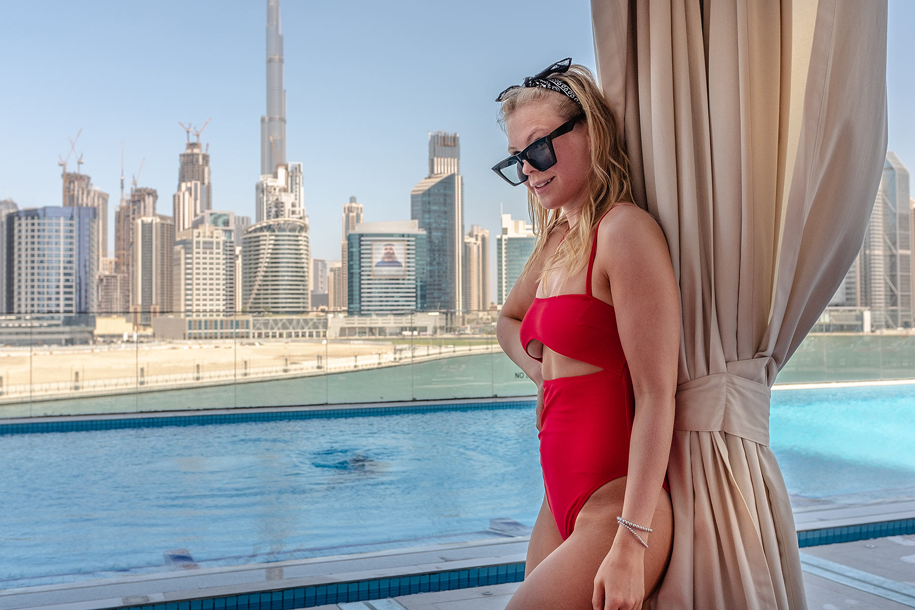 pool hotel dubai travel blogger sunnyinga
