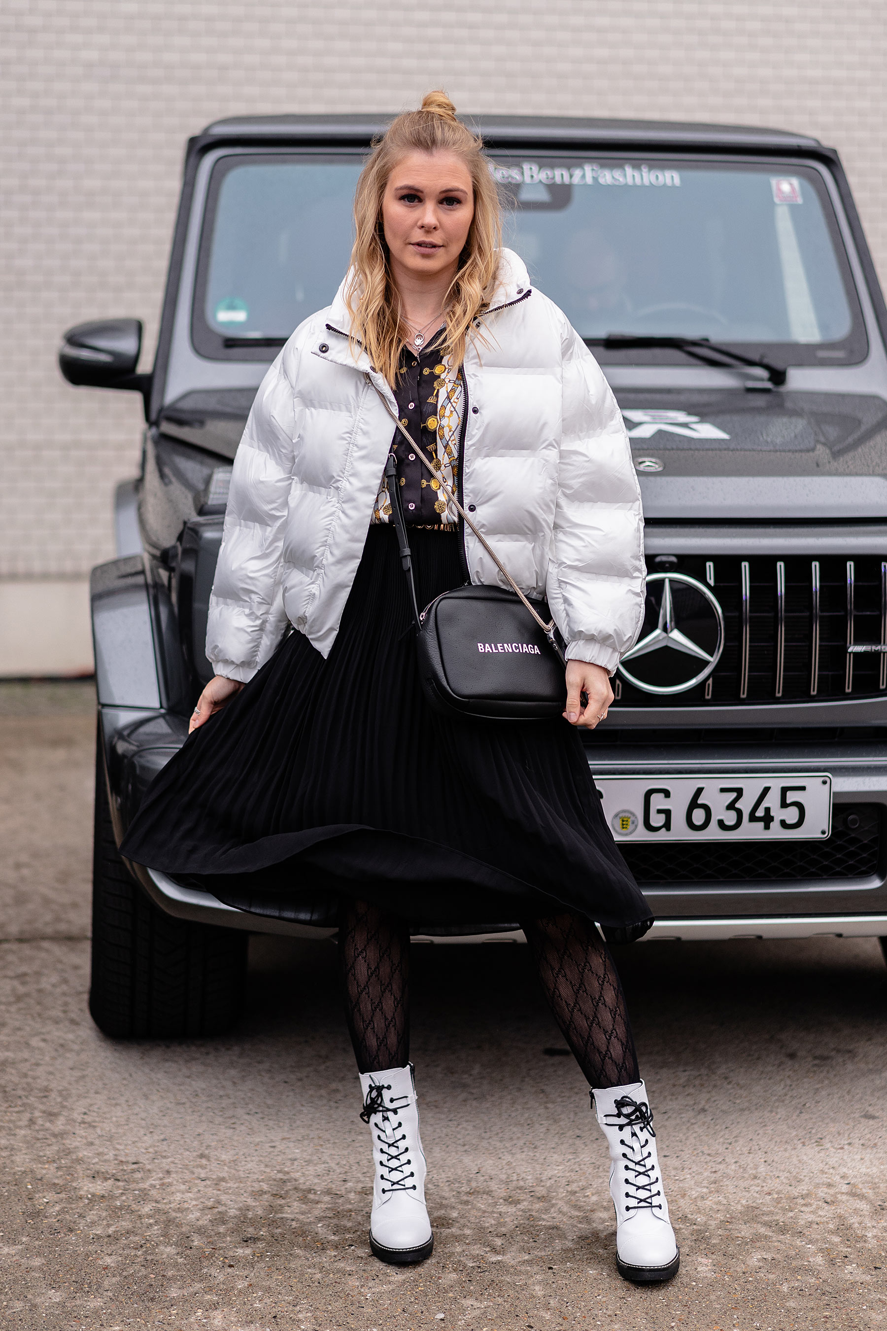 puffer jacket weiss outfit mbfw fashion blogger sunnyinga
