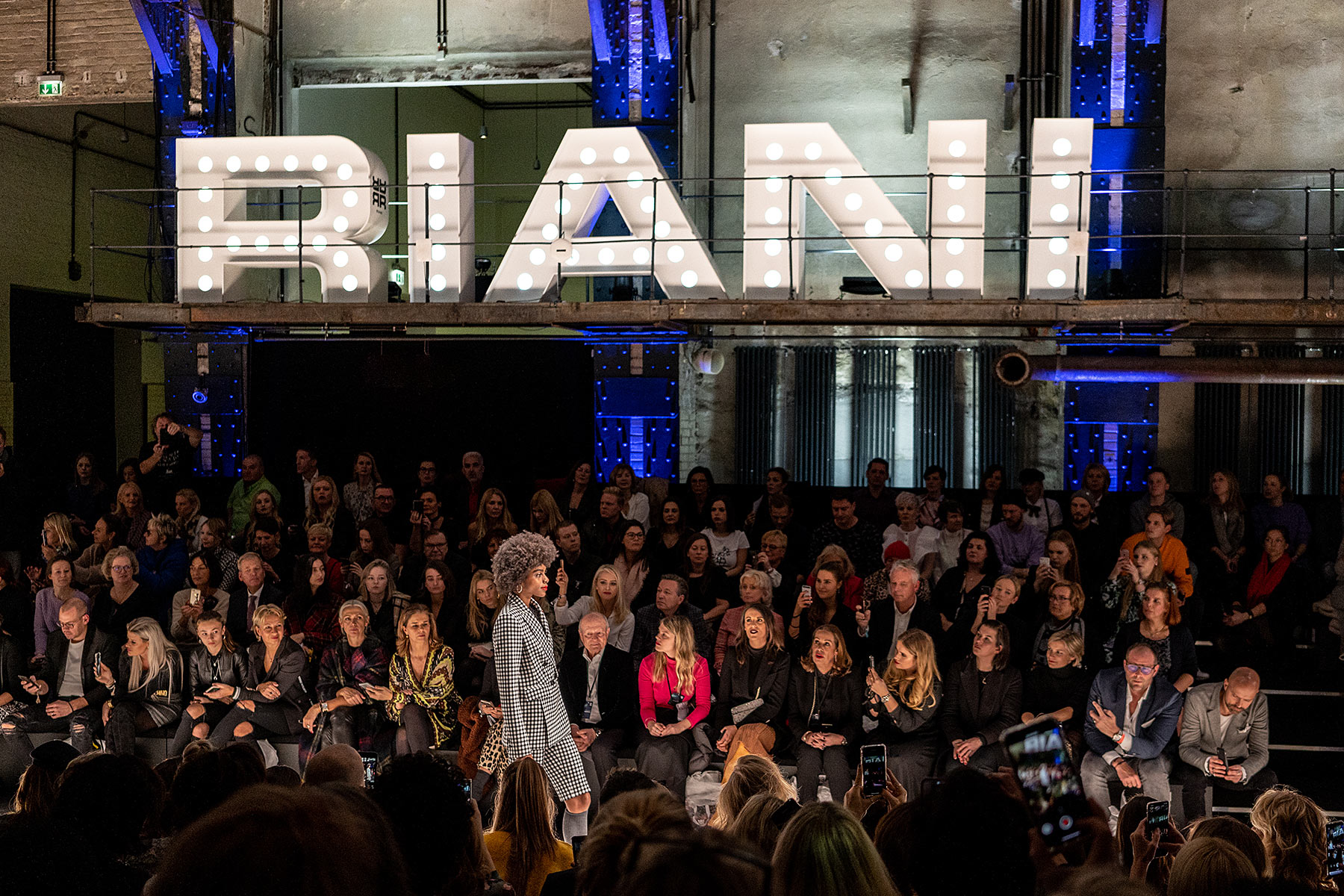 riani fashion show berlin mbfw fashion blogger sunnyinga