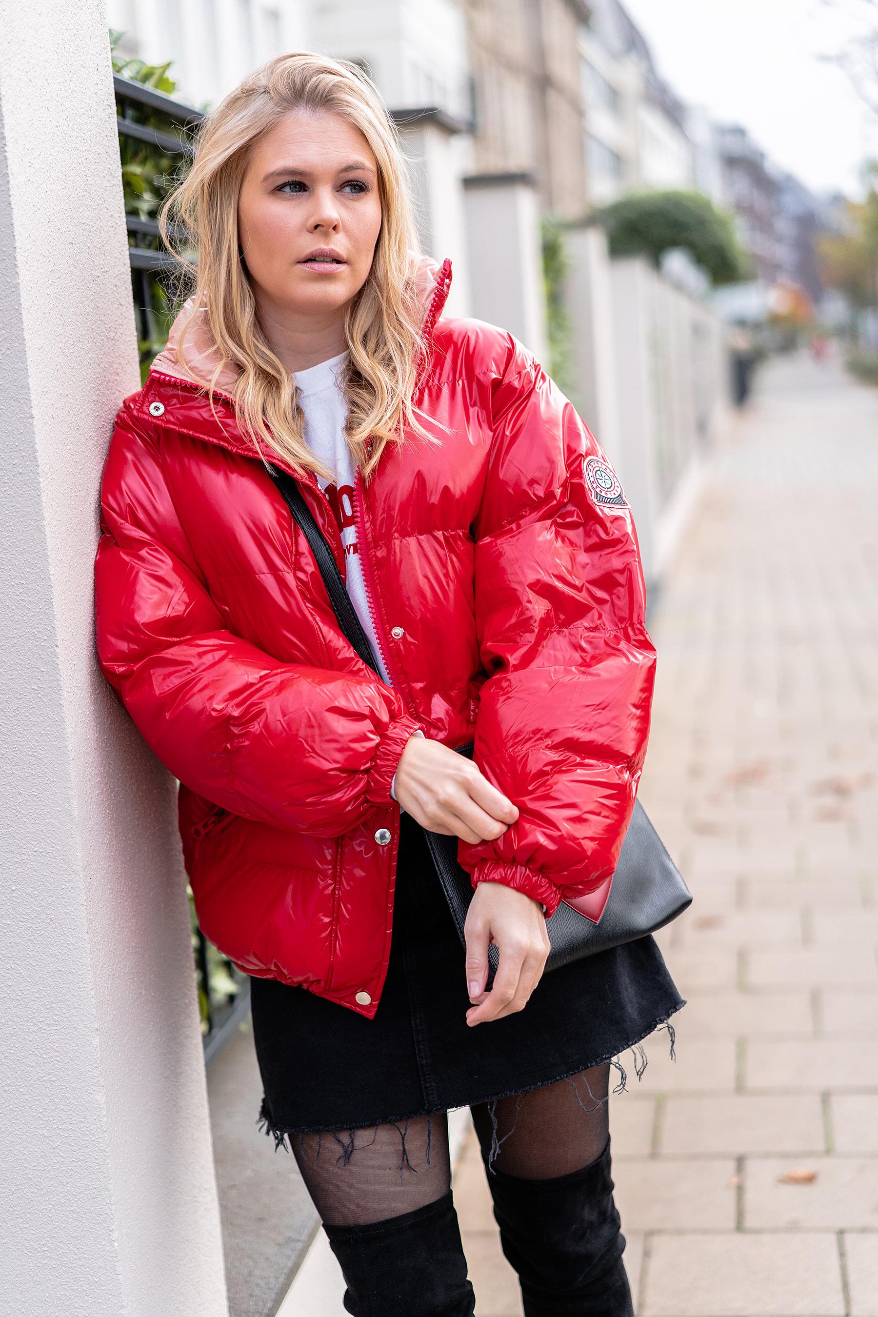 rote daunenjacke kombinieren outfit fashion blogger sunnyinga