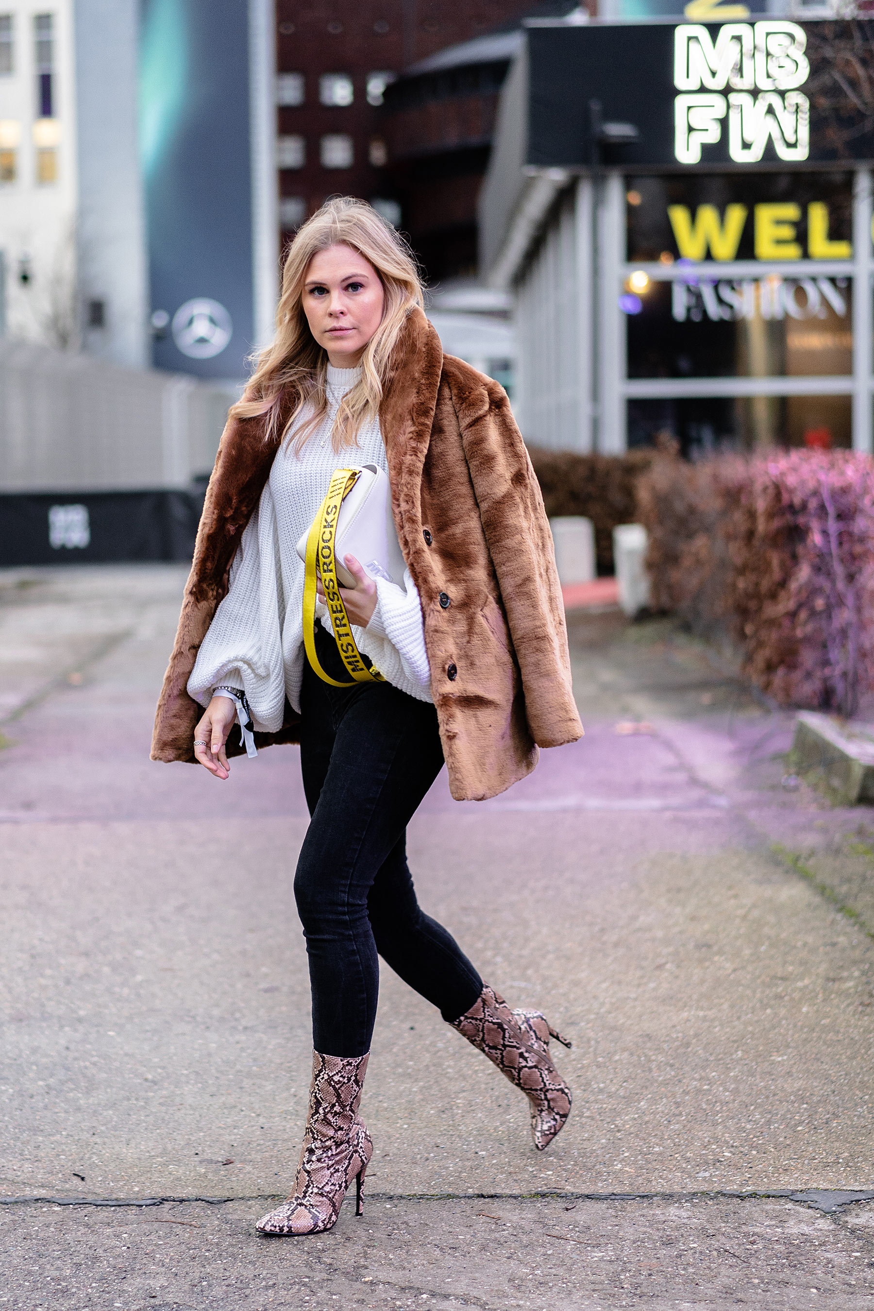 snake boots teddycoat outfit mbfw fashion blogger sunnyinga