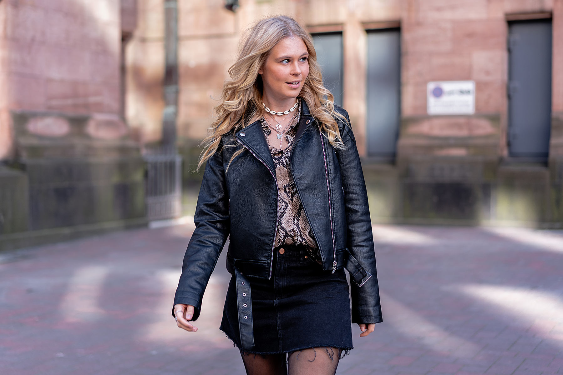 snake print bluse trend outfit blog fashion sunnyinga