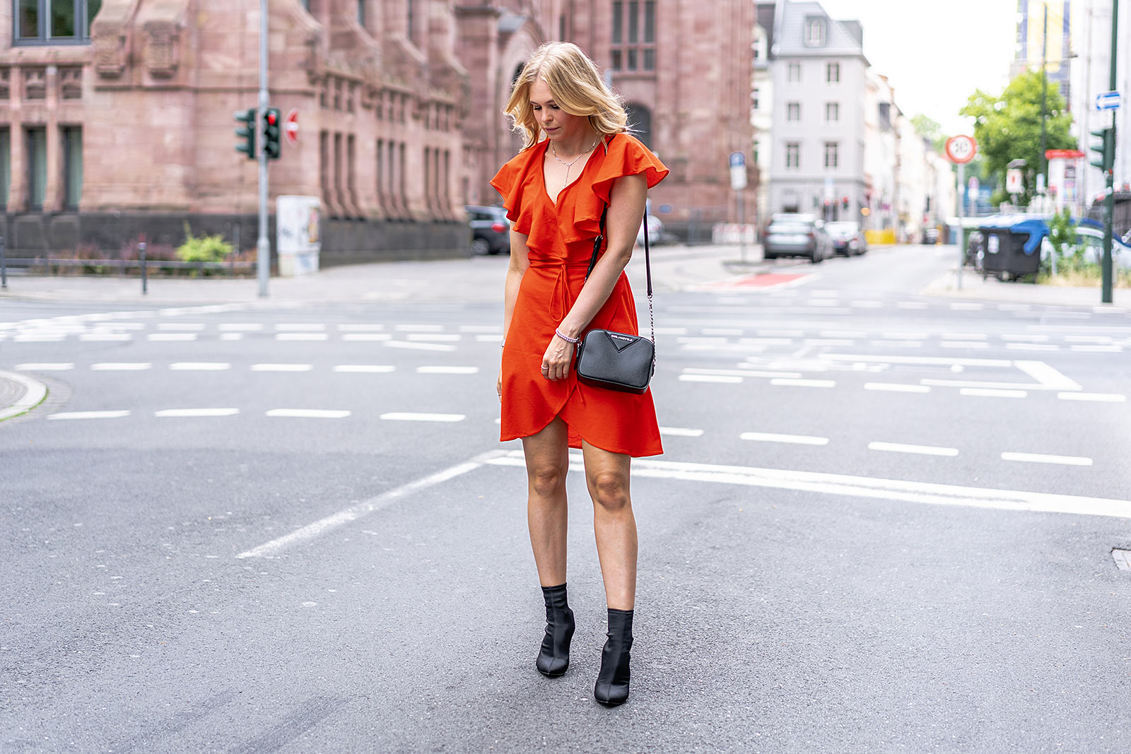 streetstyle kleid outfit fashion blogger sunnyinga