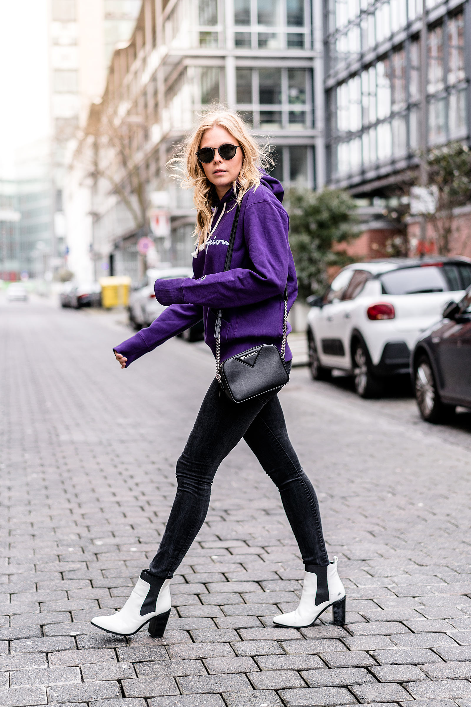 streetstyle outfit ultra violet sunnyinga fashion blogger düsseldorf