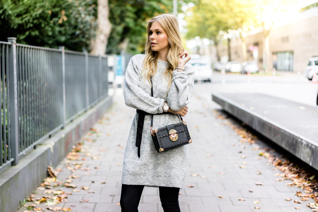 Strickkleid grau Outfit Herbst Trend Fashion Blogger Sunnyinga