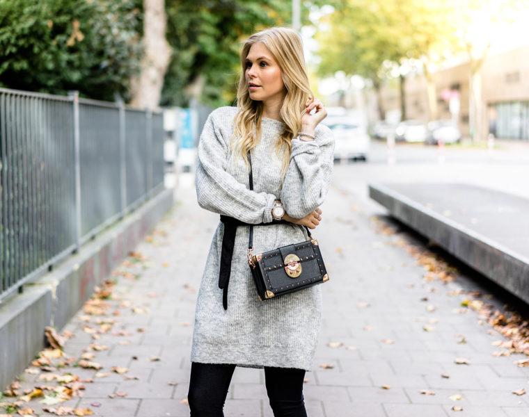 Strickkleid grau Outfit Herbst Trend Fashion Blogger Sunnyinga