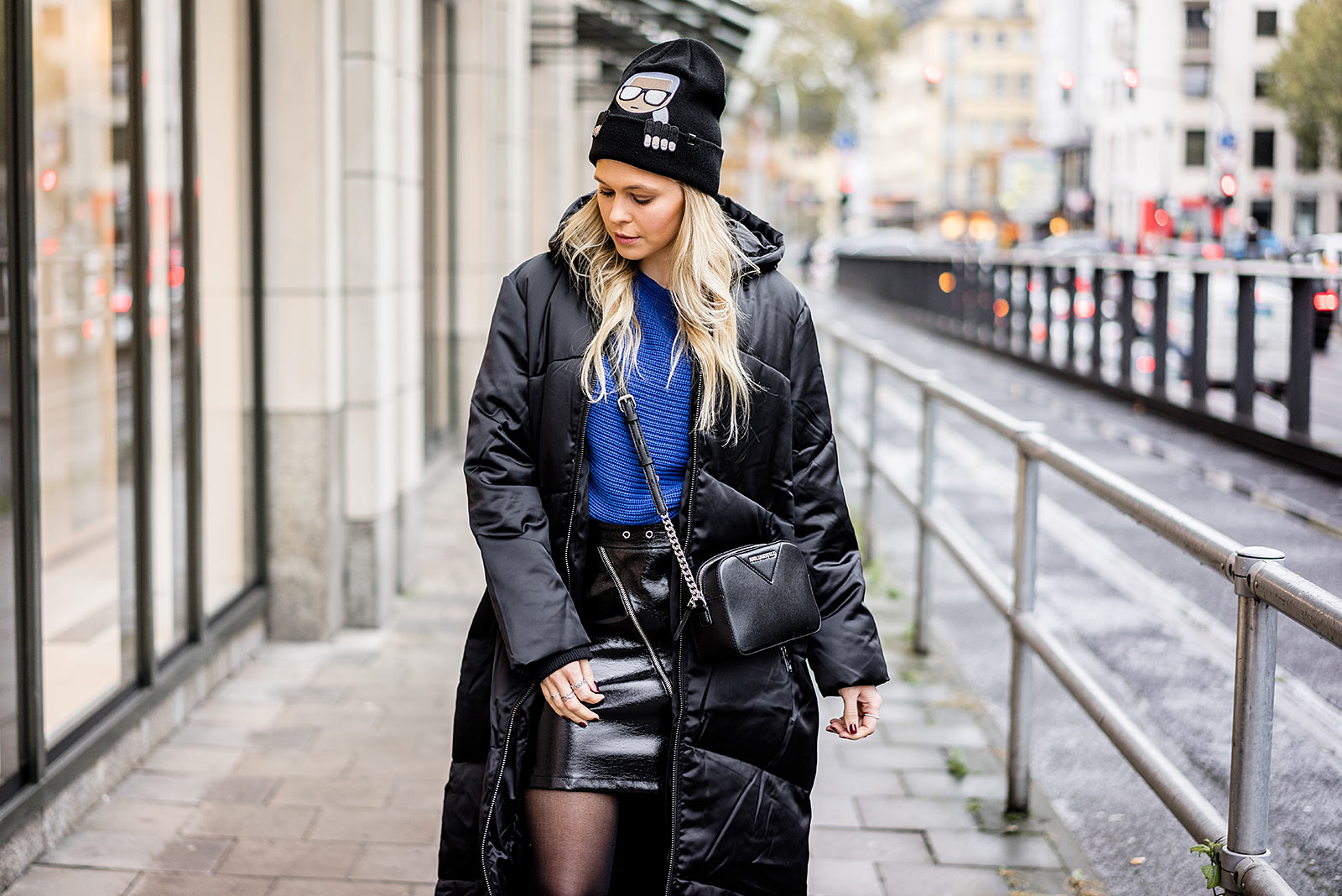 Sunnyinga Fashion Bloggerin Düsseldorf Steppmantel schwarz Damen