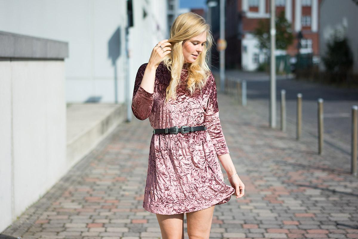 velvet-outfit