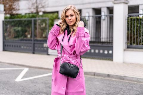 vinyl trenchcoat outfit pink fashion blogger streetstyle ootd düsseldorf sunnyinga
