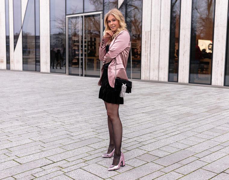 weihnachtsoutfit fashion blogger blazer heels sunnyinga