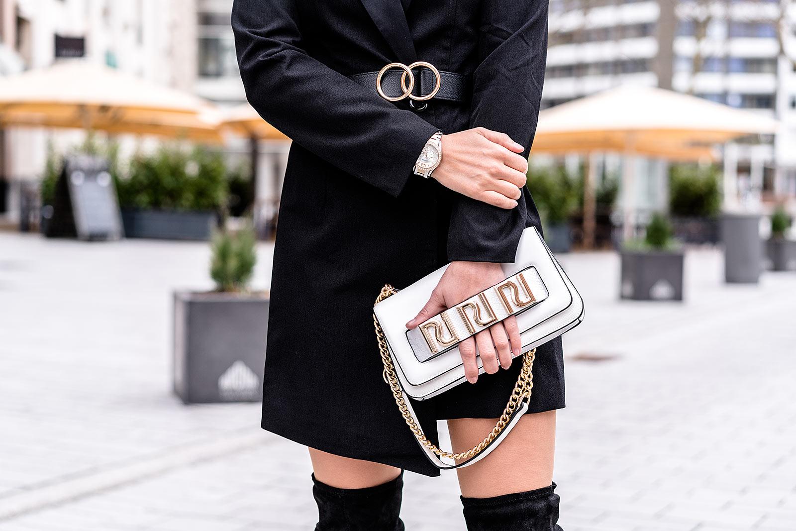 weisse handtasche blazerkleid schwarz outfit modeblog sunnyinga