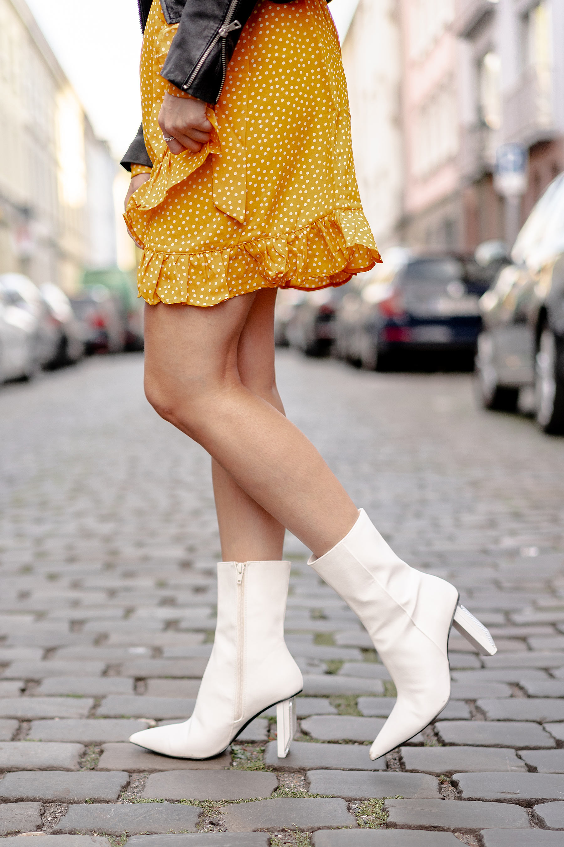 weisse stiefel outfit streetstyle outfit modeblog sunnyinga
