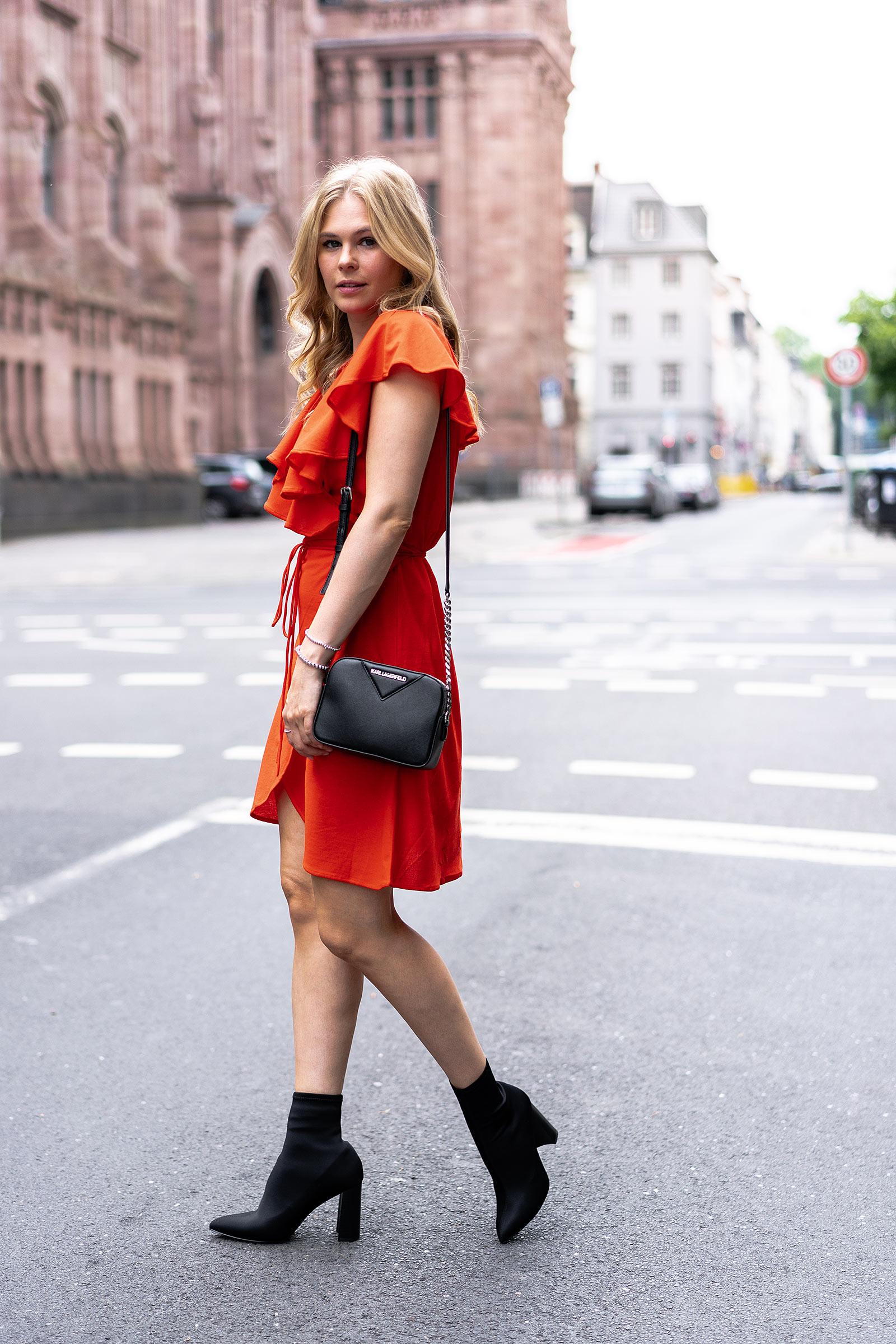 wickelkleid outfit sock boots fashion blogger sunnyinga