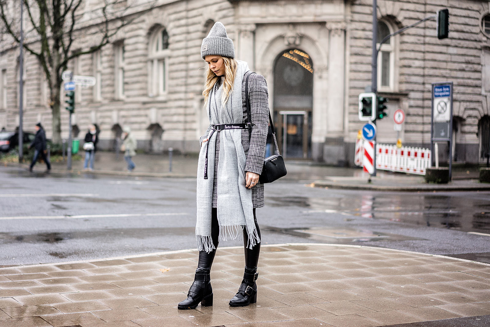 Winter-Accessoires Outfit Streetstyle Fashion Blogger Sunnyinga